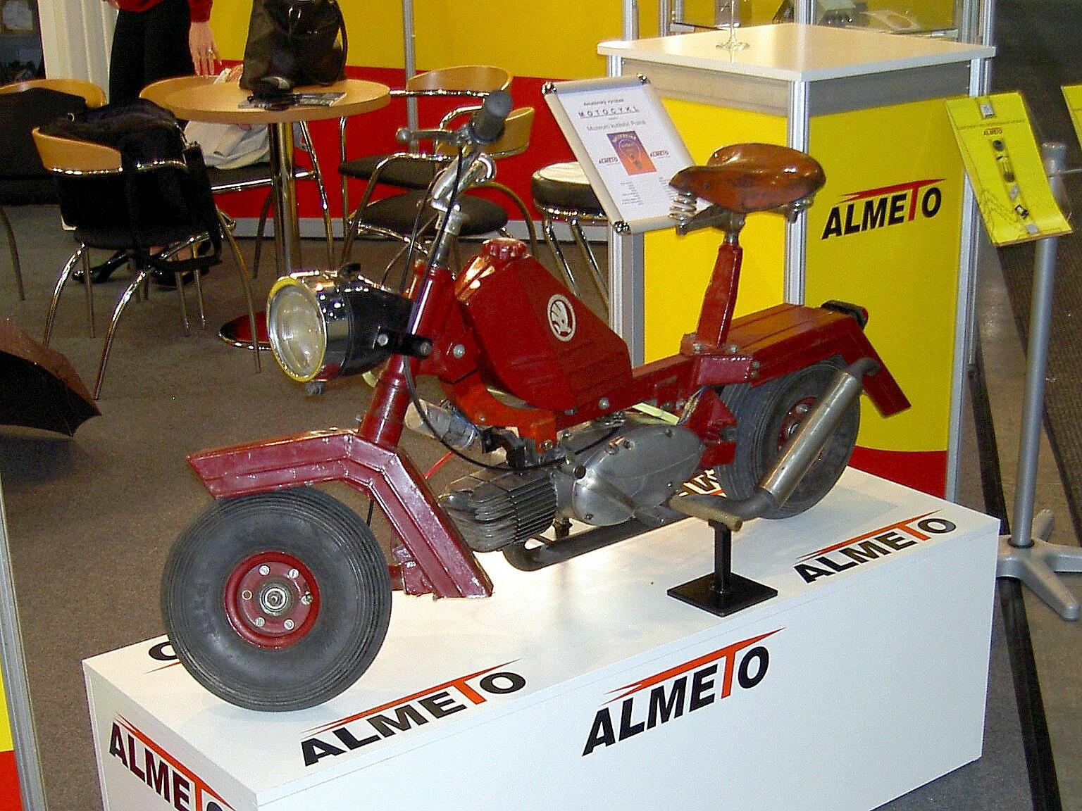 amper2013001